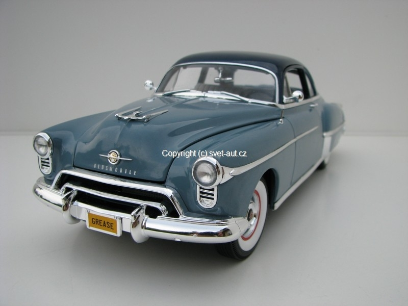 Oldsmobile Rocket 88 1950 1:18 Ertl